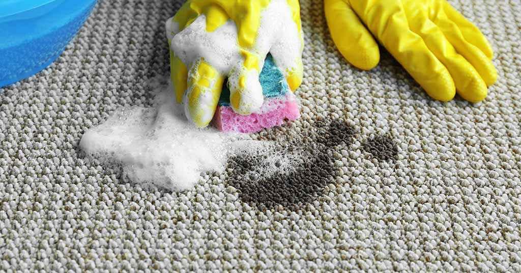 نحوه پاک کردن لکه روغن از روی فرش یا موکت